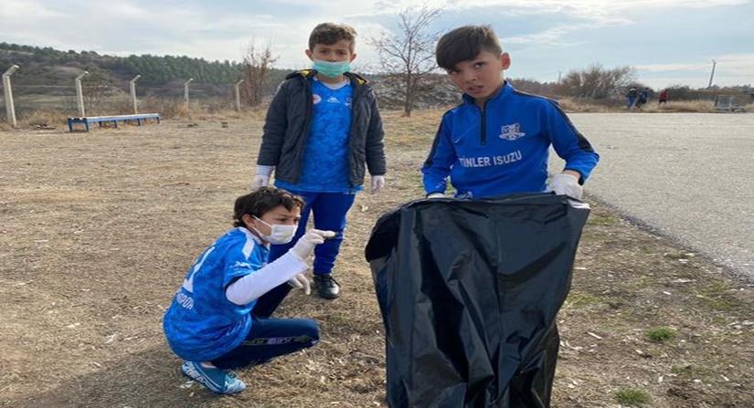 Vefasporlu Öğrenciler, Barajda Temizlik Yaptı